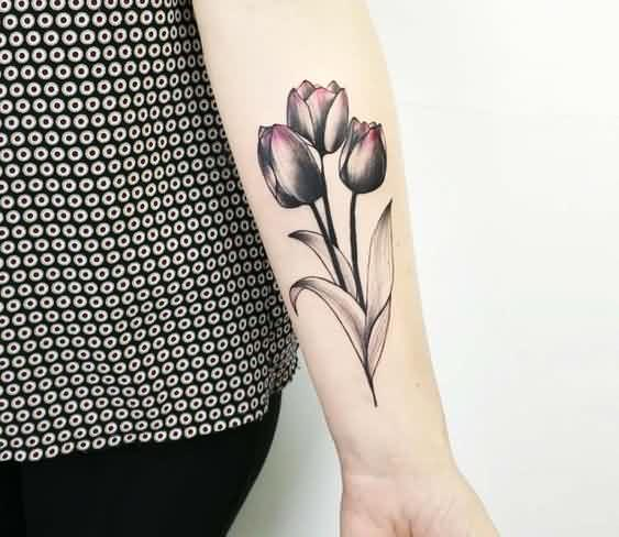 36 Best Tulip Tattoos That You Wish You Had | Brainy Readers